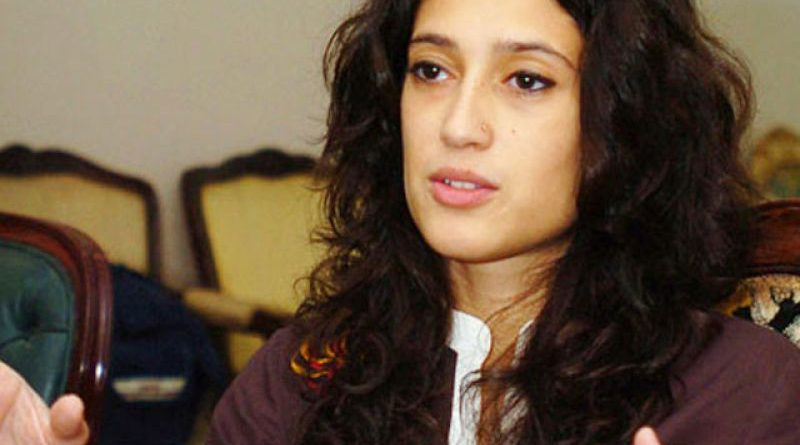 Benazir Bhutto's niece Fatima Bhutto demands release of Indian pilot